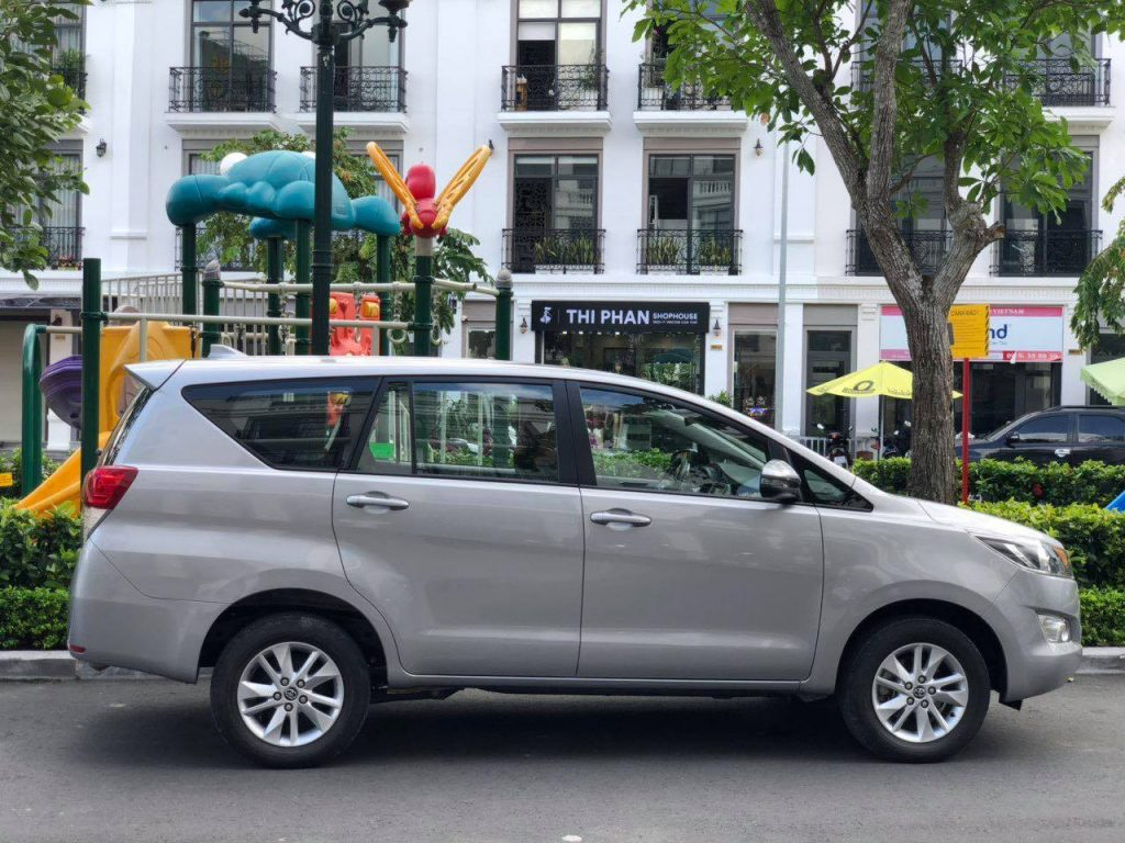 thuê xe 7 chỗ tại Tân Phú Đông