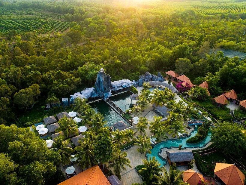 Khu du lịch suối nước nóng Bình Châu