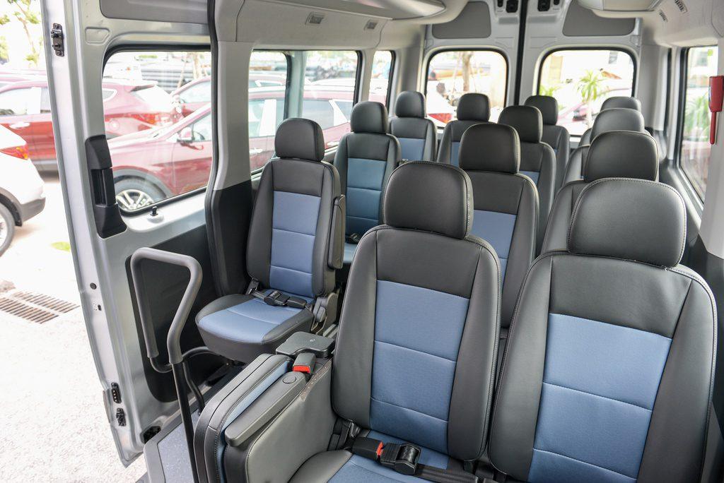 nội thất xe Hyundai Solati