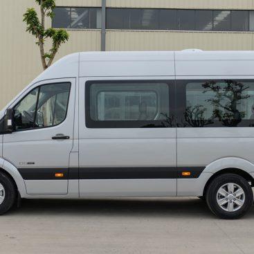Dịch vụ cho thuê xe Hyundai Solati 16 chỗ tại TPHCM