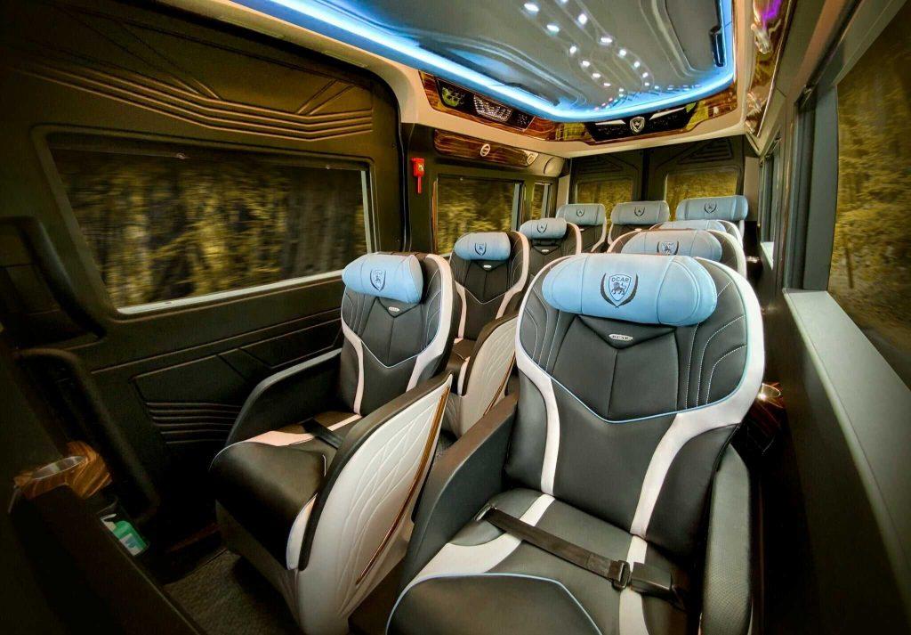 nội thất limousine 16 chỗ